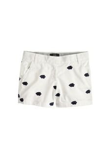 Chino short in embroidered fish