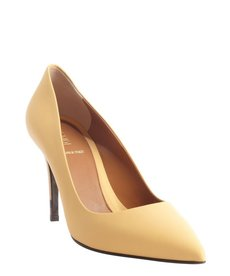 Fendi yellow matte leather pointed toe pumps