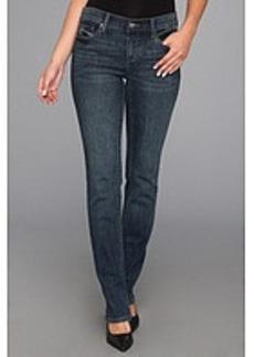 DKNY Jeans Soho Straight in Chelsea Wash