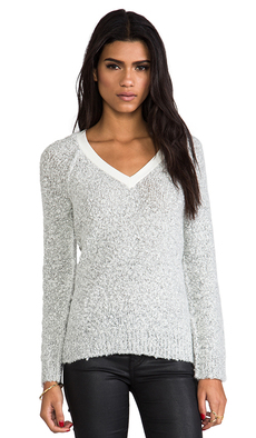 Sanctuary Winter V-Neck Sweater in Light Gray