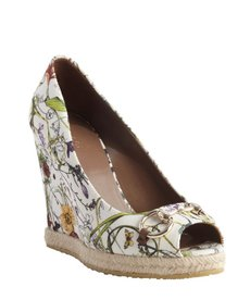 Gucci white wild flower printed canvas horsebit espadrille 'Charlotte' wedge pumps