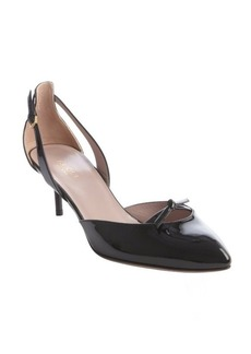 Gucci black patent leather bow accent pump