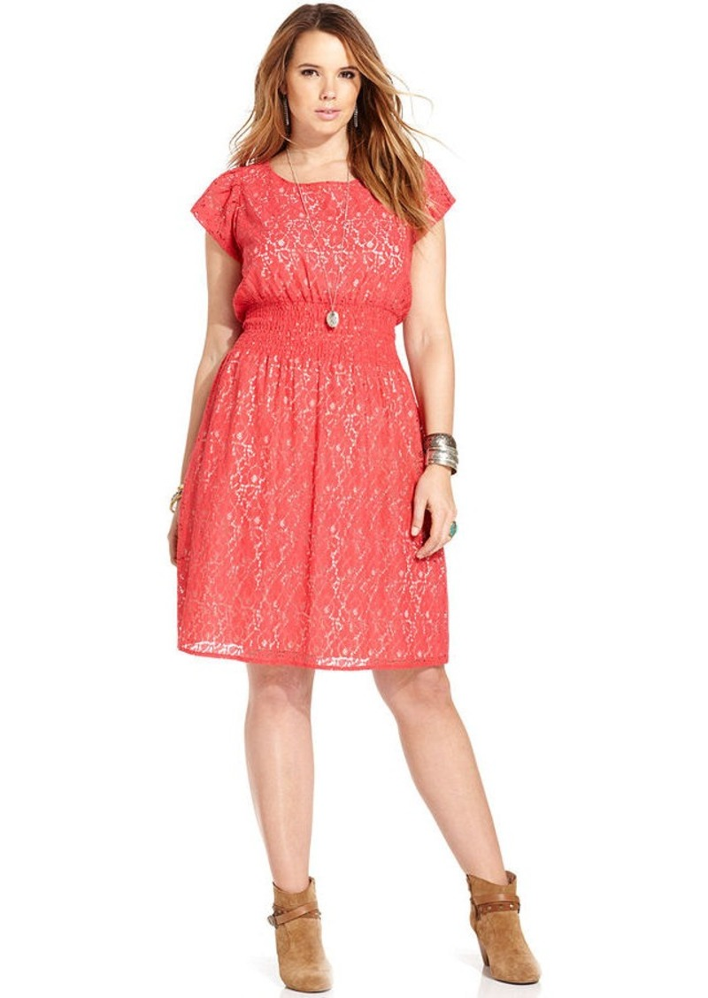 Plus size dresses with sleeves are always a great option, too. Generally, any women's plus size dresses that have ruching in the midsection will always be a great choice. With pear shapes, the hips will have the widest measurements along with a smaller upper body frame.