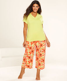 HUE Plus Size Short Sleeve Top and Kiana Floral Capri Pajama Pants