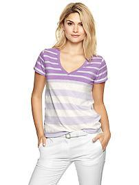 Essential variegated stripe V-neck tee