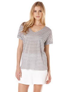 linen roll sleeve v-neck tee
