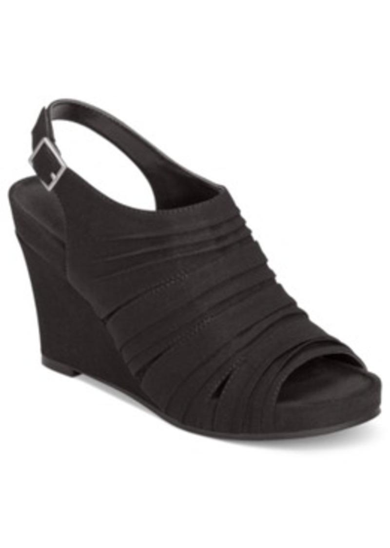 aerosoles aerosoles plush on you wedge sandals s