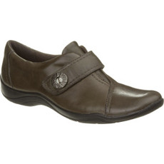 Clarks Kessa Betty Shoe - Women's