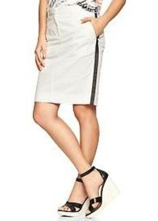 Side-stripe pencil skirt