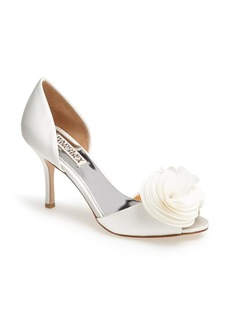 Badgley Mischka 'Thora' Pump