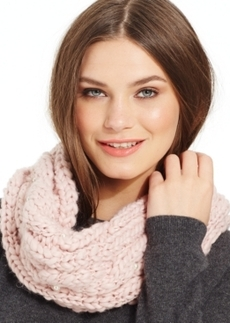 Betsey Johnson Pearly Girl Snood