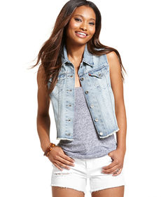 Levi's® Juniors' Authentic Denim Trucker Vest