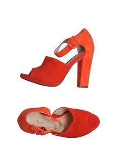COLE HAAN - Sandals