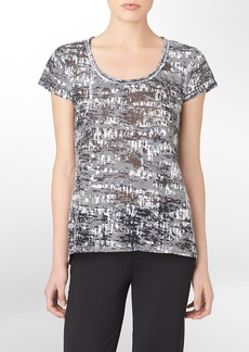 performance stamp print scoopneck short sleeve top