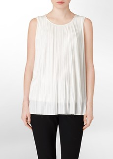 pleated sleeveless scoopneck top