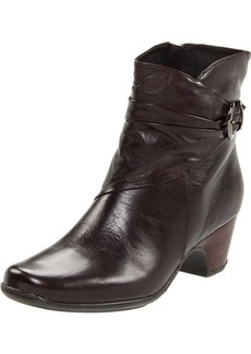 Clarks Women's Leyden Crest Boot