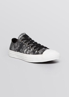 Converse Lace Up Sneakers - Low Top Printed