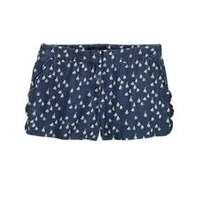 Scallop-pocket short in chambray sailboats