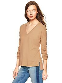 Luxlight V-neck sweater