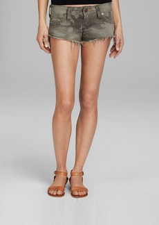 True Religion Shorts - Bobby Camo in Derringer