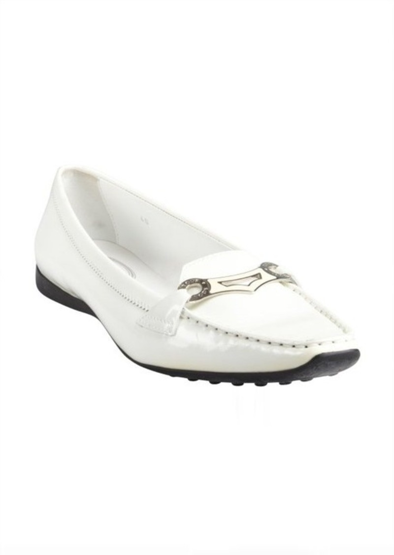 Tod's off white patent leather tapered square toe flat loafers
