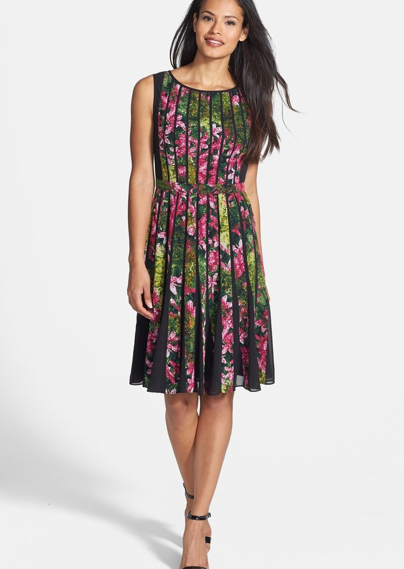 Adrianna Papell Adrianna Papell Spliced Floral Print Fit