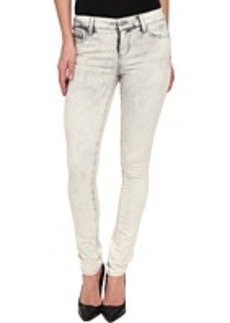 DKNY Jeans Avenue B Ultra Skinny in LA Wash