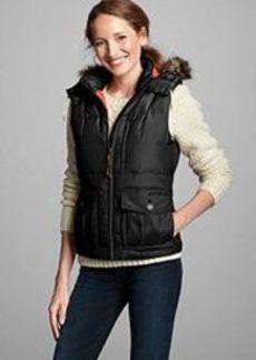 "<img class=""prd-image"" src=""//eddiebauer.scene7.com/is/image/EddieBauer/0064209_100M1?%24category%24"" alt=""Women's Yukon Classic® Down Vest"" title=""Women's Yukon Classic® Down Vest"">"
