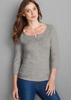 "<img class=""prd-image"" src=""//eddiebauer.scene7.com/is/image/EddieBauer/0096760_363M1?%24category%24"" alt=""Women's Favorite 3/4-Sleeve Henley Shirt"" title=""Women's Favorite 3/4-Sleeve Henley Shirt"">"