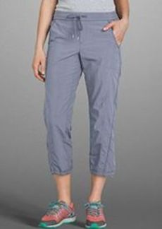 "<img class=""prd-image"" src=""//eddiebauer.scene7.com/is/image/EddieBauer/0110795_118M1?%24category%24"" alt=""Women's Discovery Park Pull-On Cropped Pants"" title=""Women's Discovery Park Pull-On Cropped Pants"">"