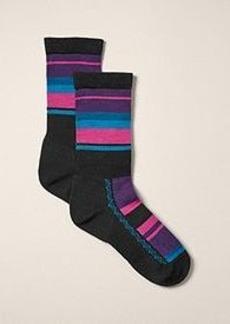 "<img class=""prd-image"" src=""//eddiebauer.scene7.com/is/image/EddieBauer/0167596_100M1?%24category%24"" alt=""Women's point6® Light Hiker Crew Socks - Multi-Stripe"" title=""Women's point6® Light Hiker Crew Socks - Multi-Stripe"">"