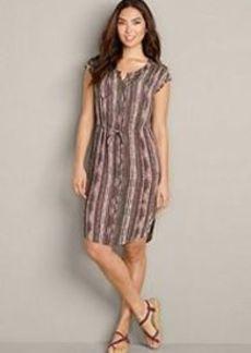 "<img class=""prd-image"" src=""//eddiebauer.scene7.com/is/image/EddieBauer/0177879_728M1?%24category%24"" alt=""Women's Woven Shirt Dress - Printed Gauze"" title=""Women's Woven Shirt Dress - Printed Gauze"">"