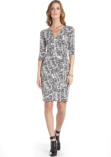 Ellen Tracy black and white stretch chain accent split 3/4 sleeve dress