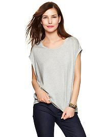 Shirttail-back tee