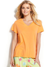 HUE Solid V-Neck Top
