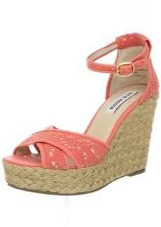 Steve Madden Women's Marrvil Wedge Sandal