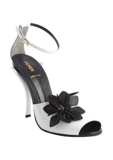 Fendi white and black patent leather 'Sandalo' flower sandals