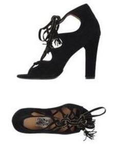 SALVATORE FERRAGAMO - Laced shoes