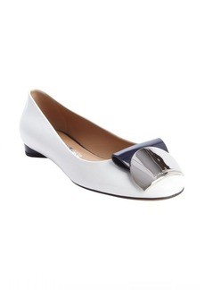 Salvatore Ferragamo white and navy patent leather mirrored plate detail flats
