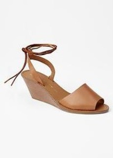 Ankle-wrap wedges