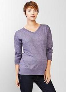 Budding V-neck pullover sweater