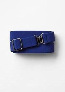 Elastic clasp belt