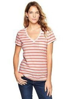 Essential stripe pocket V-neck tee