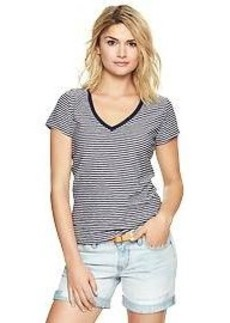 Essential stripe V-neck tee