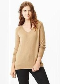 Eversoft V-neck sweater