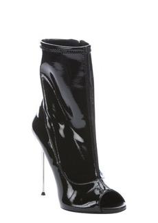 Giuseppe Zanotti nero patent leather peep toe side-zip booties