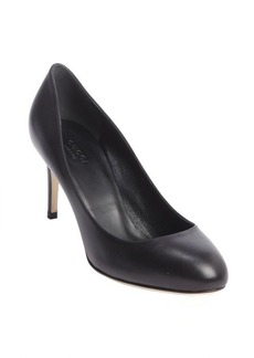 Gucci black leather round toe pumps