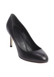 Gucci black leather round toe pumps