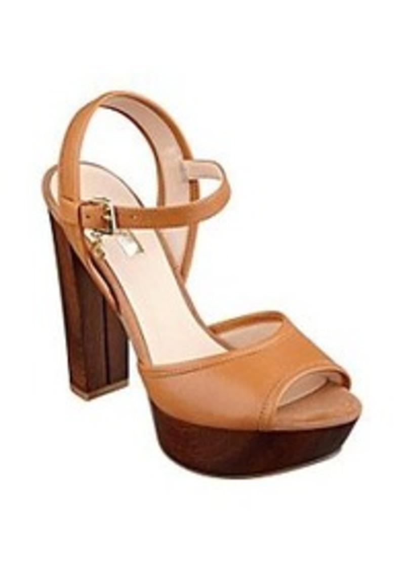 guess guess quot pursey quot platform sandals shoes shop it to me