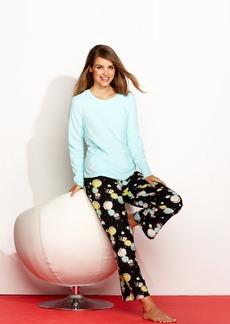 HUE Microfleece Top and Pajama Pants Set